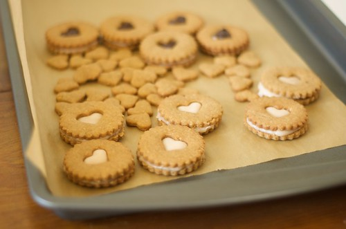 peanut butter linzer cookies 2