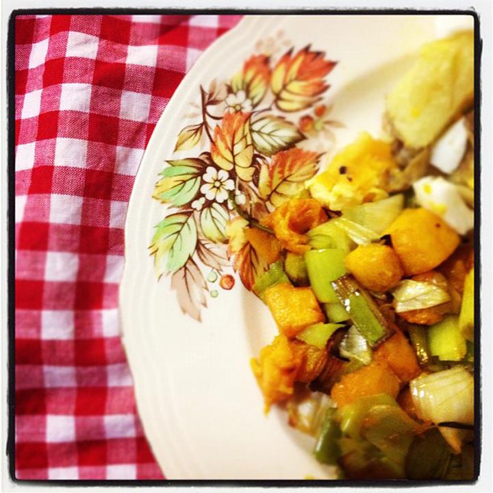 laneway_esme instagram veg vintage plate