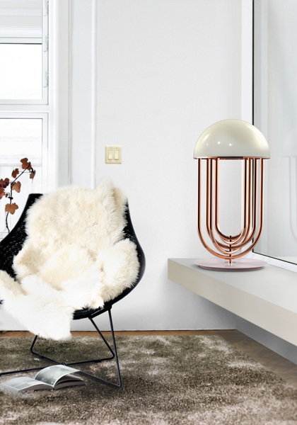 tina_turner_unique_sideboard_art_deco_lamp_01