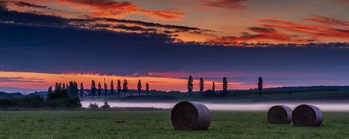 morning sky mist rural sunrise luxembourg haybales roeser lëtzebuerg réiserbann