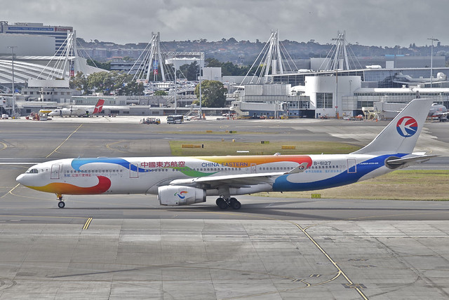 China Eastern Airlines Airbus A330-300; B-6127@SYD;31.07.2012/666ex