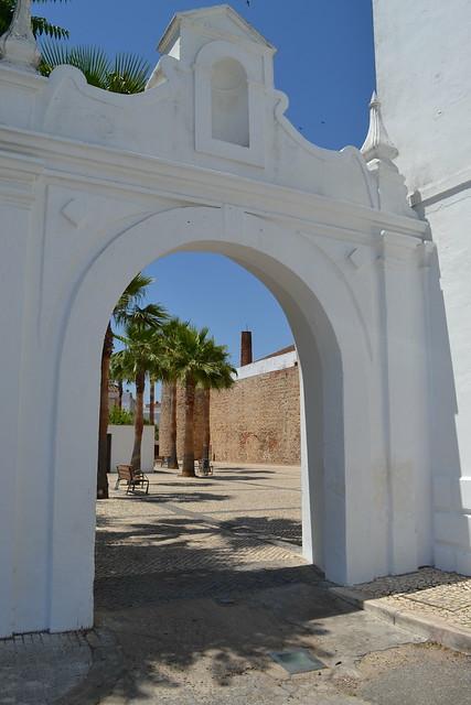 Una vista de la blanca y bella ciudad de Olivenza