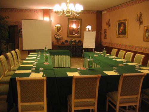 Una delle sale per meeting dell'Hotel Miralago Ristorante Donna Vittoria, ad Albano Laziale