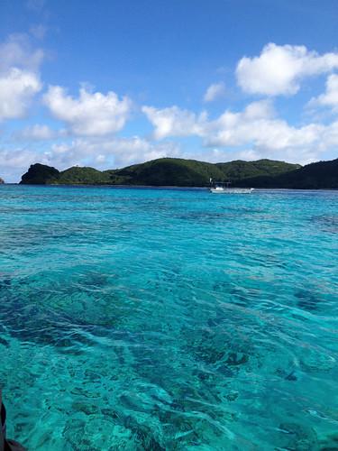 阿嘉島の青い海