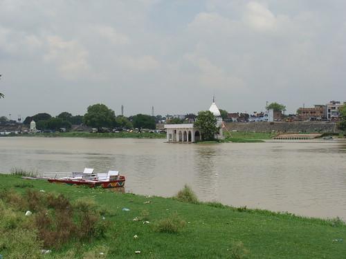 blue sky india white green nature water grass river temple boat riverbank lucknow uttarpradesh gomti awadh