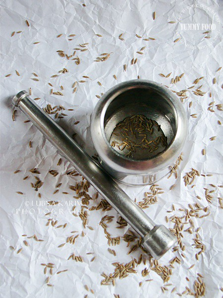 Cumin/Jeers in Pestle and Motar