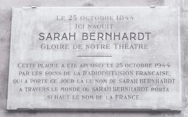 Photo of Sarah Bernhardt white plaque