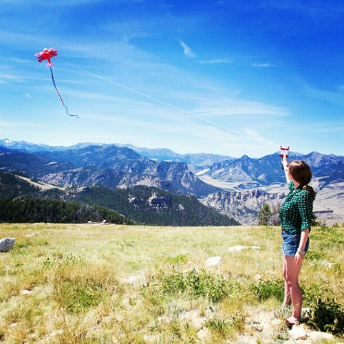 Kite flying girl II