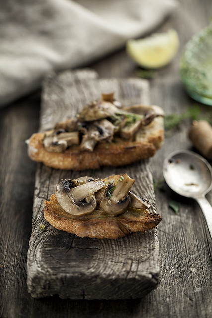 [238/366] Oven Baked Mushrooms With Lemon And Thyme