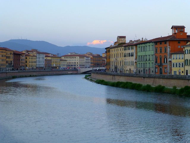 The river Arno in the centre of Pisa, Italy