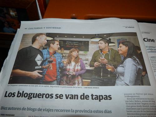 """Fotografía publicada en La Verdad el 20/12/2012 """"Los blogueros se van de tapas"""""""