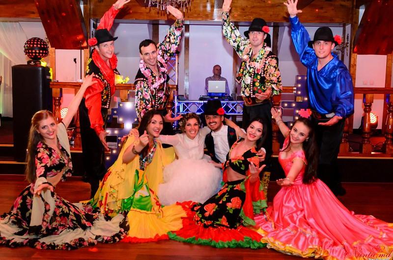 """""""Jocul Dacilor"""" - dansatori la nunţi > Foto din galeria `Despre companie`"""