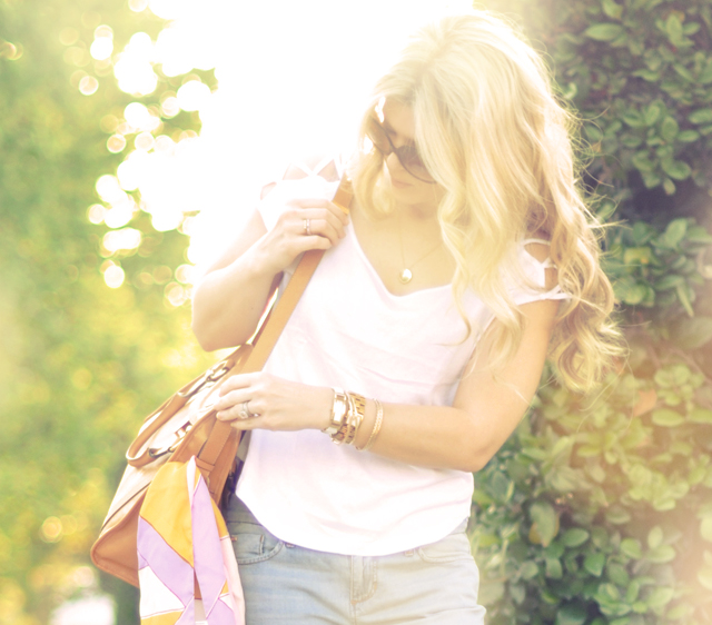 marc jacobs bag-gold jewelry-wavy blonde hair