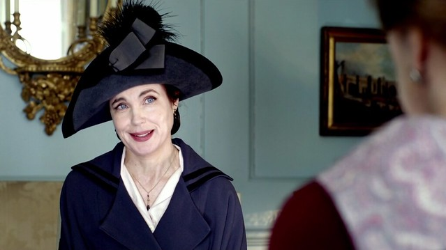DowntonAbbeyS02E07_Cora_NavyBlackTrim_coat+hat