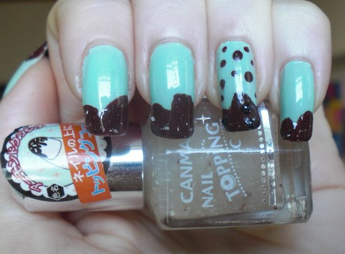 Mint Chocolate Fudge Mani / Canmake Nail Topping Coat Almond Crunch #05 by KitaRei