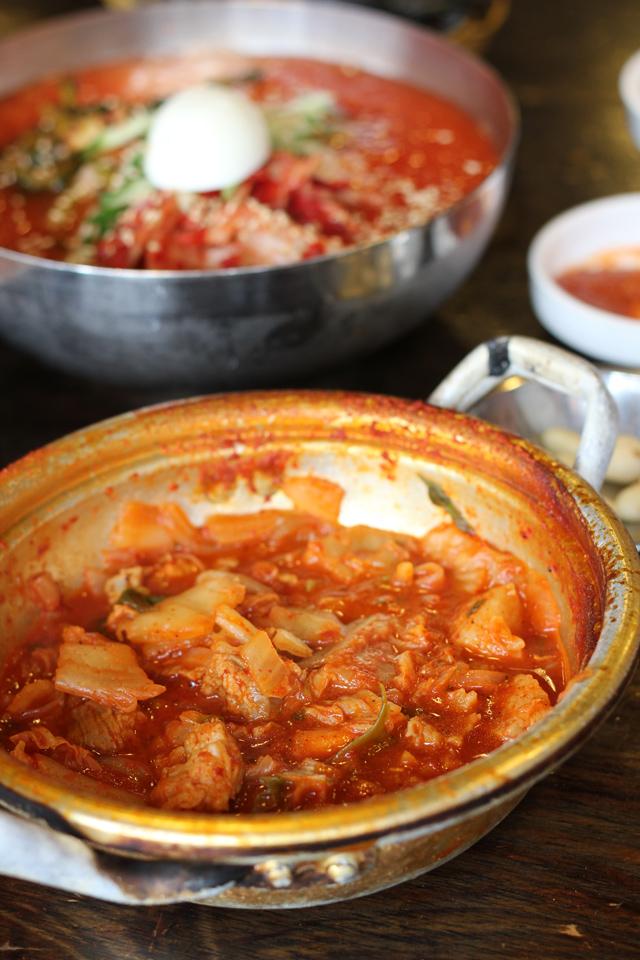 Kimchi Jjigae 김치찌개