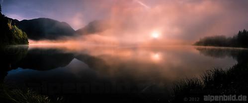 wood morning panorama cloud sun mountain lake mountains alps reed nature water berg fog clouds forest sunrise reeds landscape bayern bavaria see spring woods nikon wasser nebel pano natur foggy wolke wolken berge alpen landschaft sonne wald sonnenaufgang morgen schilf frühling morgens d800 gebirge ptgui 巴伐利亚 neblig chiemgaueralpen 阳 reitimwinkl chiemgaualps d800e nikond800e alpenbildde