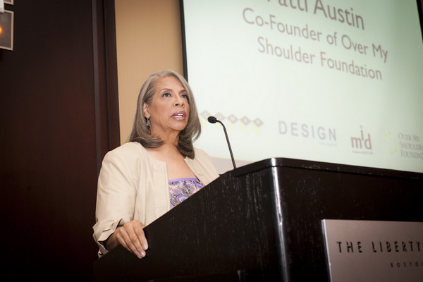 Patti Austin speaks at CUMAR event