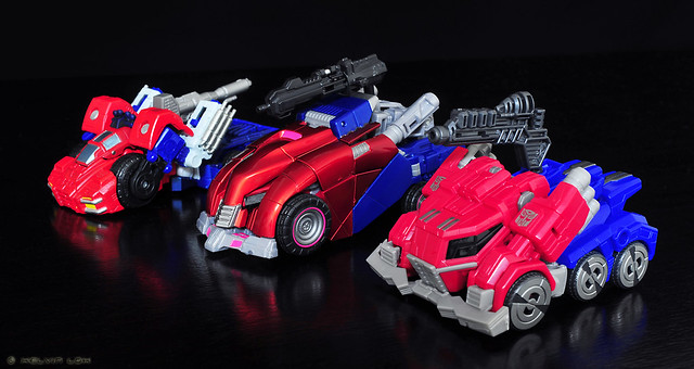 Optimus Prime Cybertronian modes