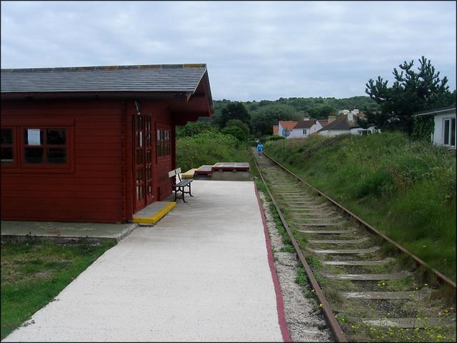 Braye Road station