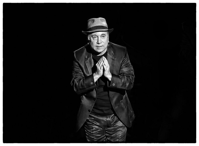 Paul Simon b/w