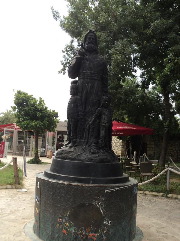 Памятник Санта Клаусу