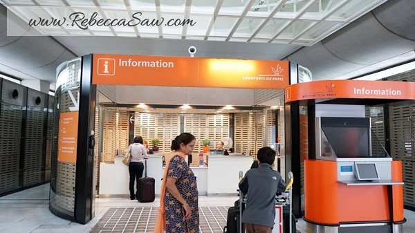 Paris - CDG Airport - info counter