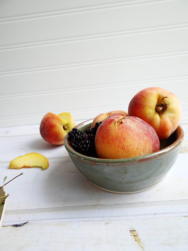 blackberry thyme peach cobbler
