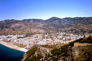 Die Stadt Alanya an der türkischen Riviera (Ägäis) --- Blick von der Burg
