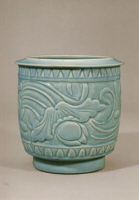青白磁刻花蓮花文深鉢