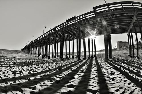 w35.fifty2 - Pier @ Ventura, California  [Monochrome]