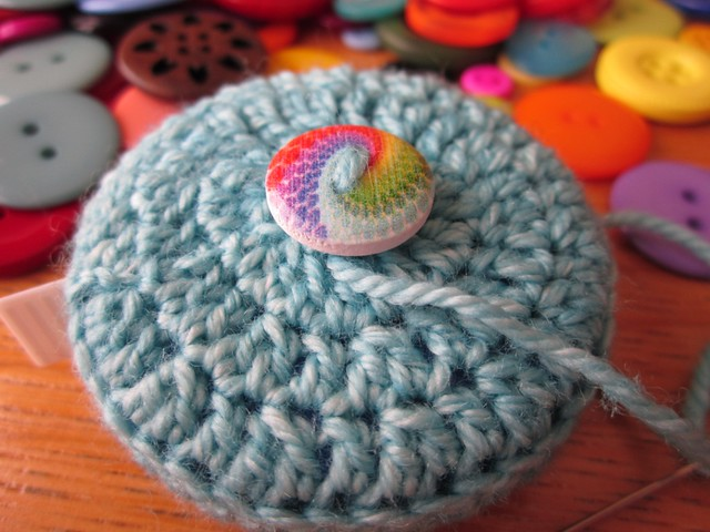 crochet tape measure cases tutorial (43)