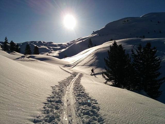 Flachpassage mit leichter Abfahrt, Aufstieg Kleine Gaisl