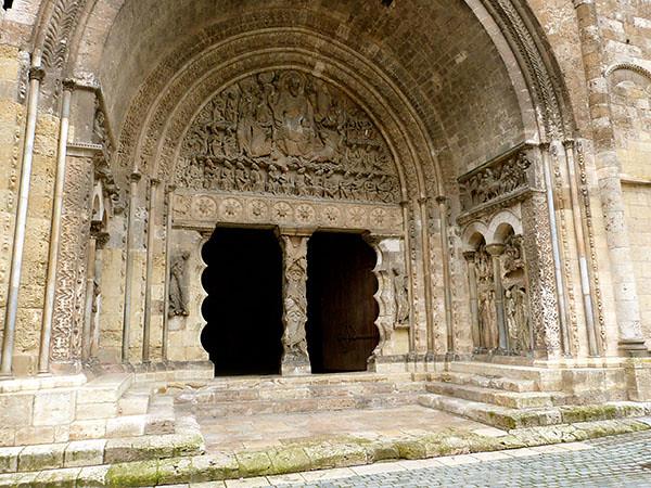 portail saint pierre