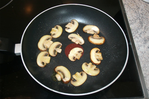 18 - Champignons kurz anbraten / Stir-fry mushrooms