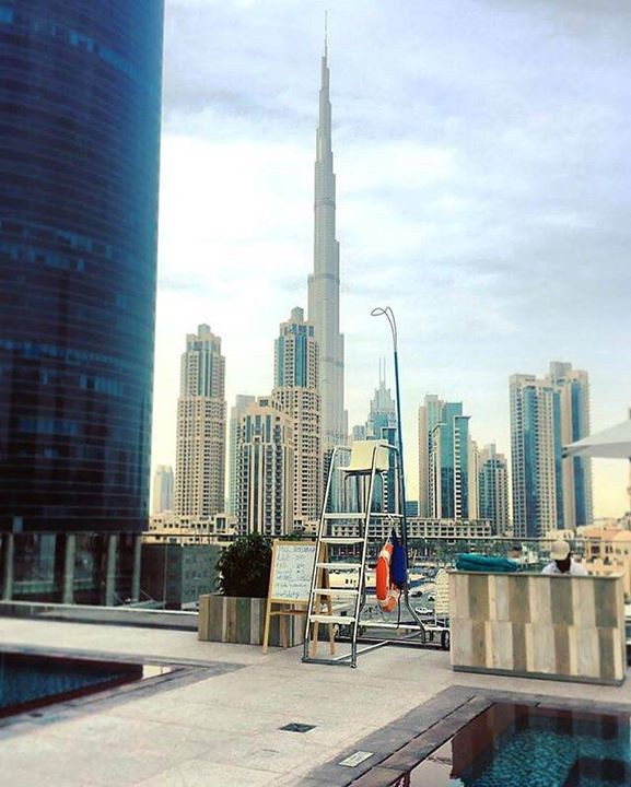 Comparateur hotels poolside in dubai with a view for Hotel comparateur