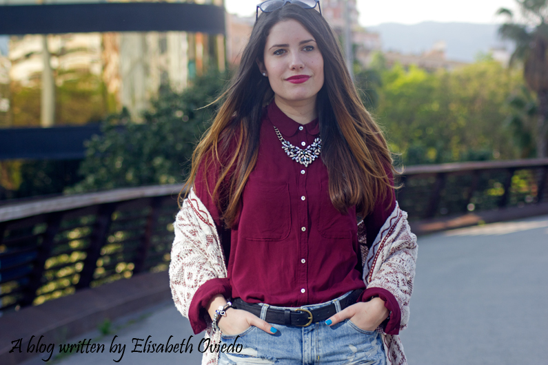 shorts denim camisa burgundy look HEELSANDROSES (3)