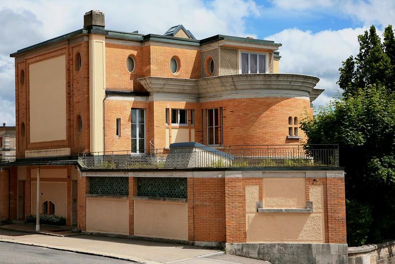 La Villa Turque by Le Corbusier https://commons.wikimedia.org/wiki/File:CF05.jpg