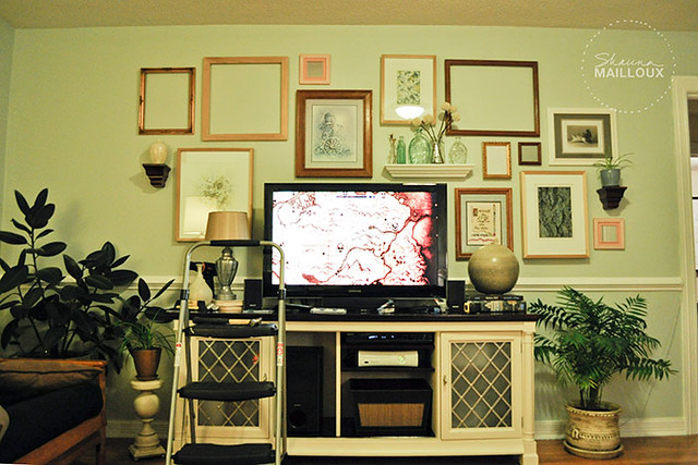 Arranging a Gallery Wall Around a TV | Beautiful Matters