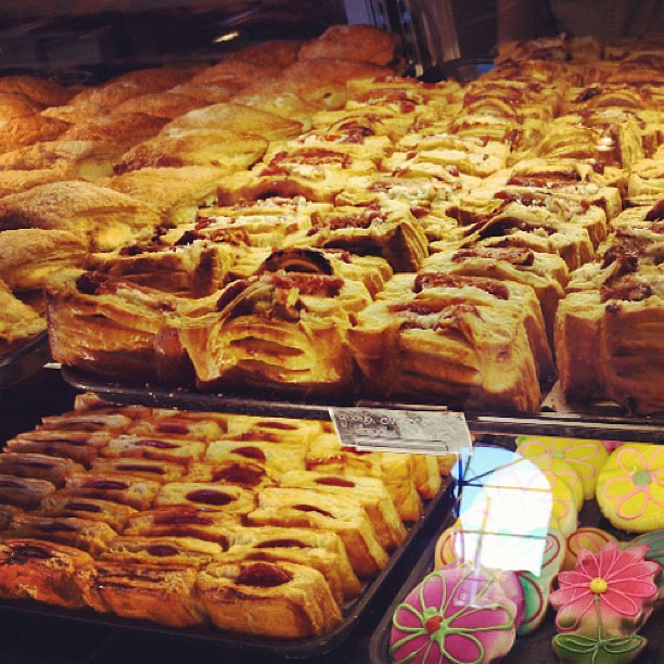 Guava and cream cheese pastries at Porto's #burbank | Flickr - Photo ...