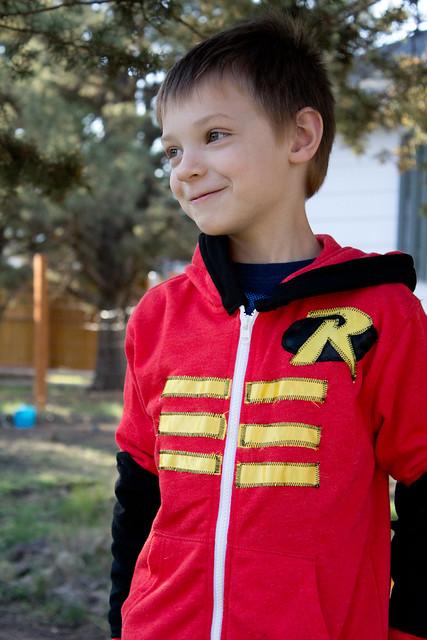 KCWC 12 robin sweatshirt2 (1 of 1)