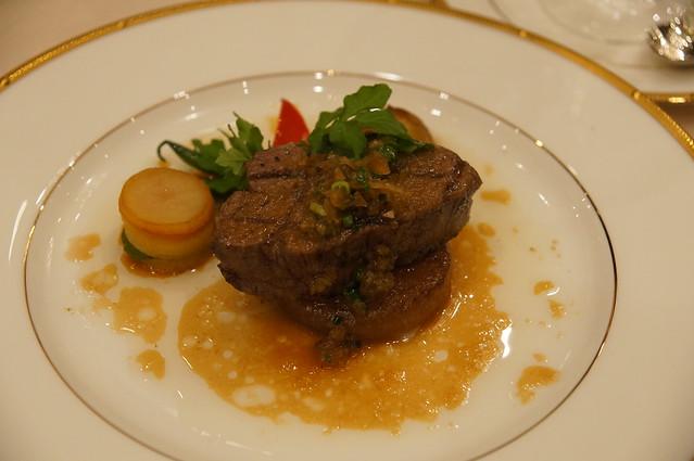 披露宴メインディッシュのお肉