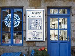 unique bookshop - Photo of Guenroc