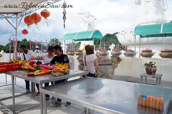 songkhla thailand - hat yai - kuan yin statue-002