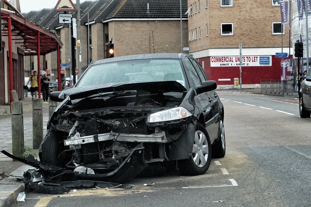 Head-on collision on Garratt Lane, Tooting #2