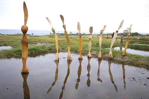 港口部落藝術家馬浪‧烏瓦日創作的《人間系列‧慶典‧出場》展現慶祝豐收的歡樂景象。(圖片來源:林務局)