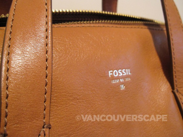 bb9b10315974 The Fossil Sydney Satchel  A Versatile Street Bag With Vintage Flair ...