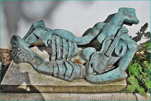 8 - Paris Musée Jardin Zadkine Ossip Zadkine Statue pour un jardin