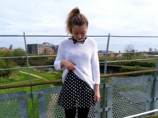 Monochrome dressing | polkadot dress | white jumper