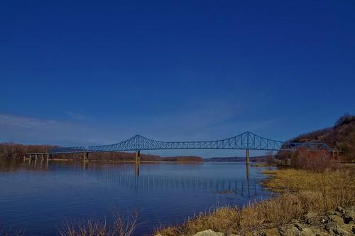 bridge blue sky illinois il mississippiriver savanna